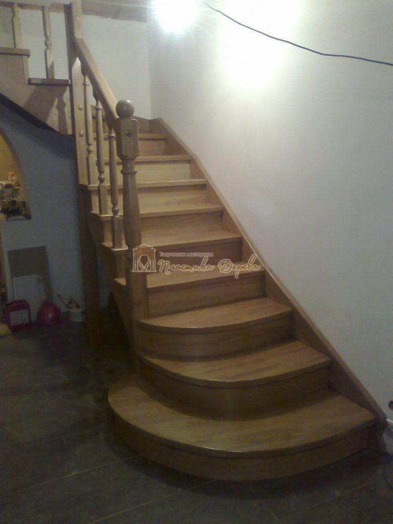 Фото 1 лестницы из дуба