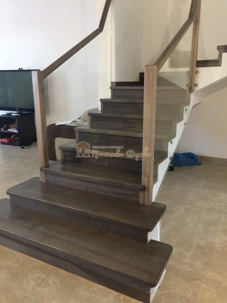 Фото 4 комбинированной лестницы со стеклянным ограждением