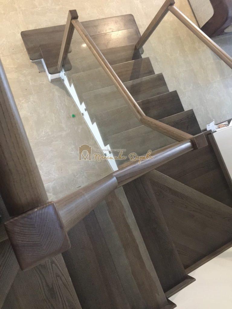 Фото 7 комбинированной лестницы со стеклянным ограждением