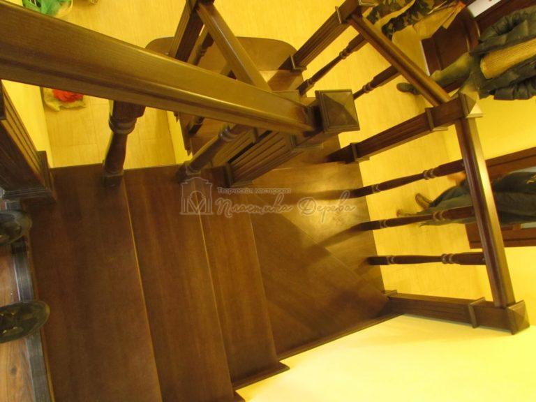 Обшивка бетонных маршей тонированным ясенем (фото 3)