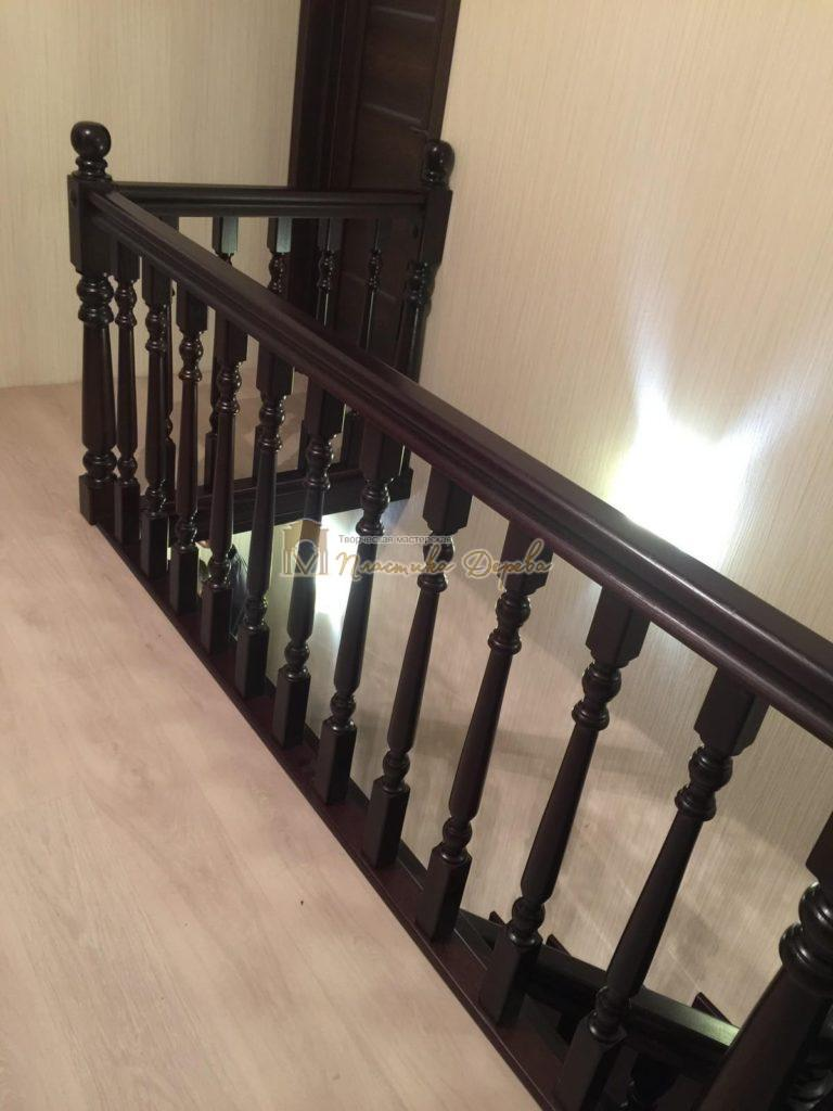 Фото 16 лестницы из ясеня с точоными балясинами
