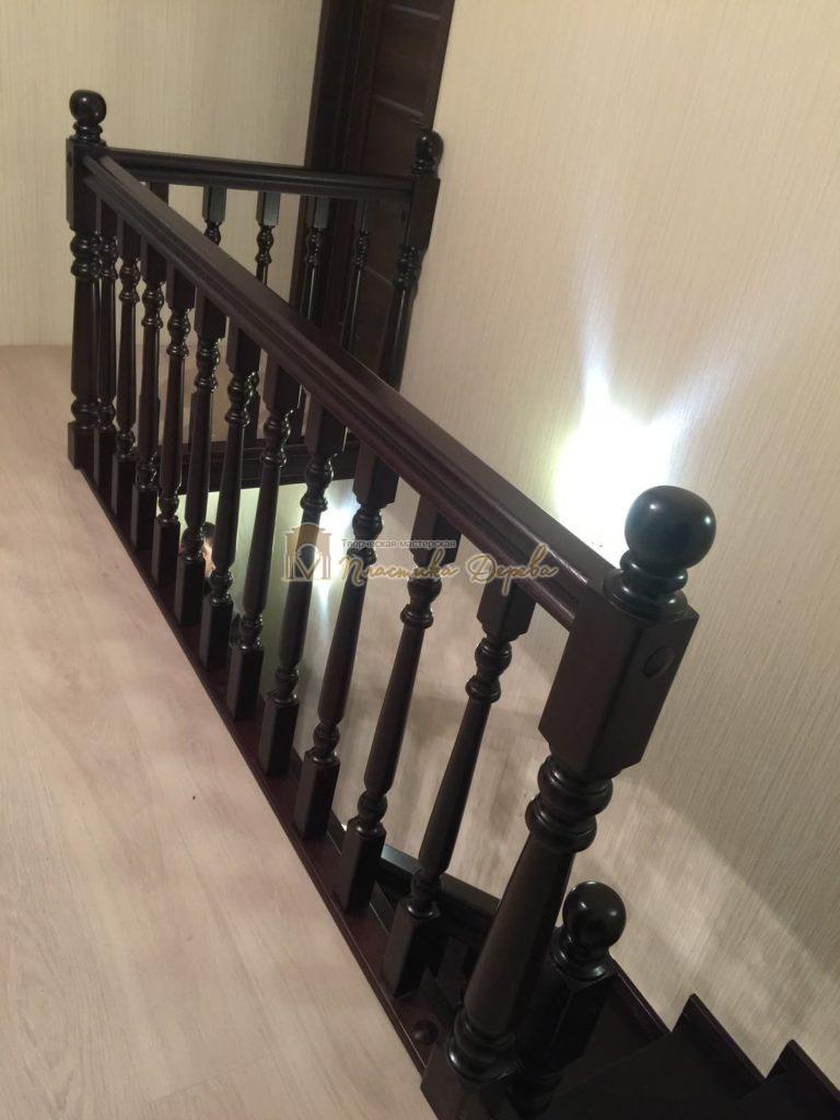 Фото 17 лестницы из ясеня с точоными балясинами