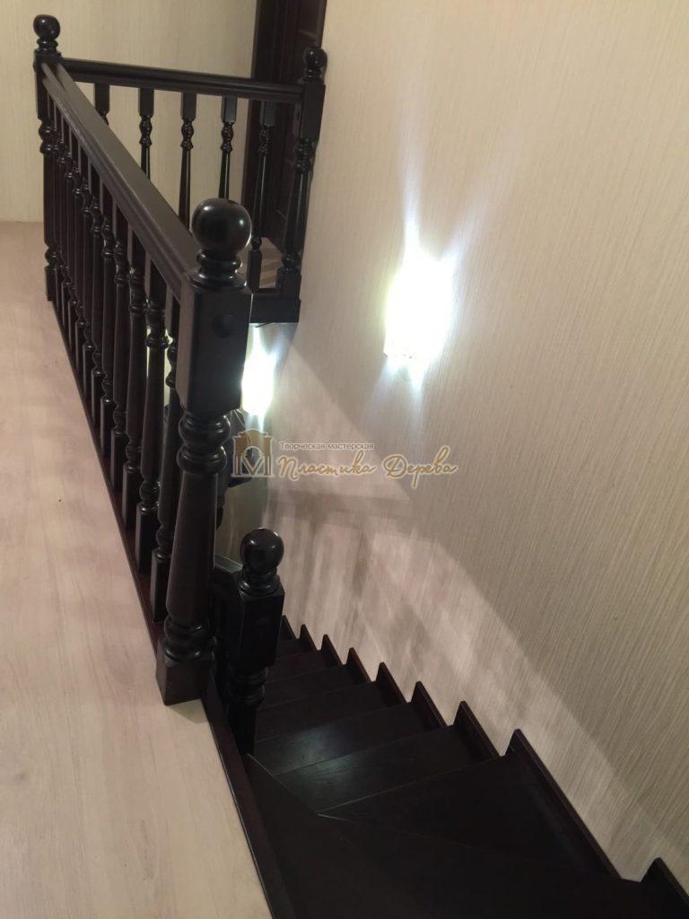Фото 18 лестницы из ясеня с точоными балясинами
