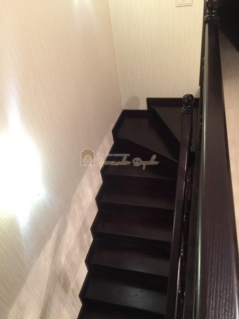 Фото 22 лестницы из ясеня с точоными балясинами