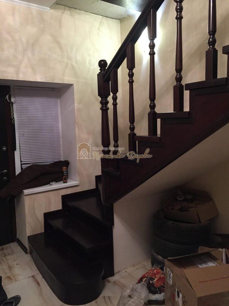 Фото 5 лестницы из ясеня с точоными балясинами