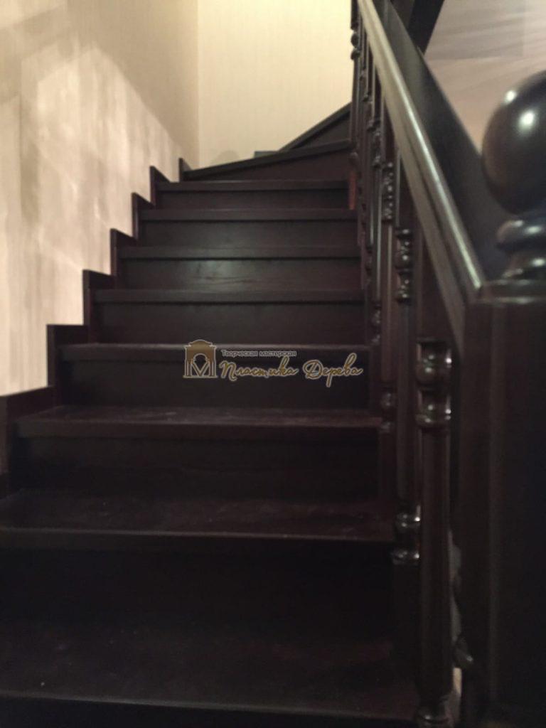 Фото 9 лестницы из ясеня с точоными балясинами
