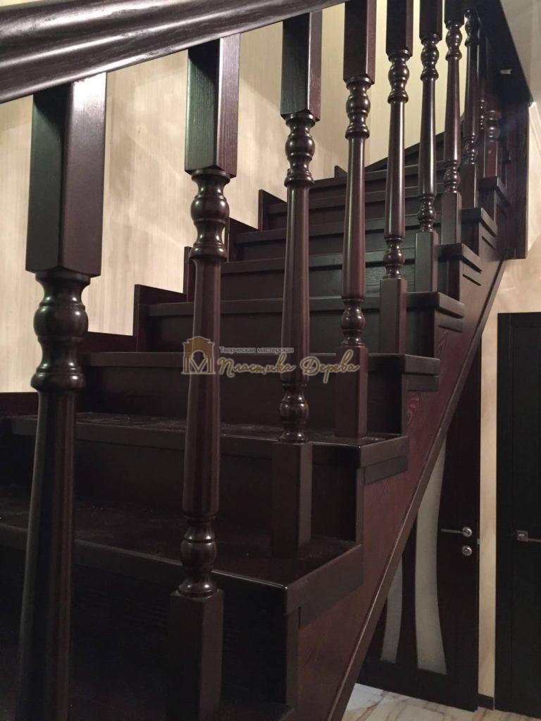 Фото 12 лестницы из ясеня с точоными балясинами