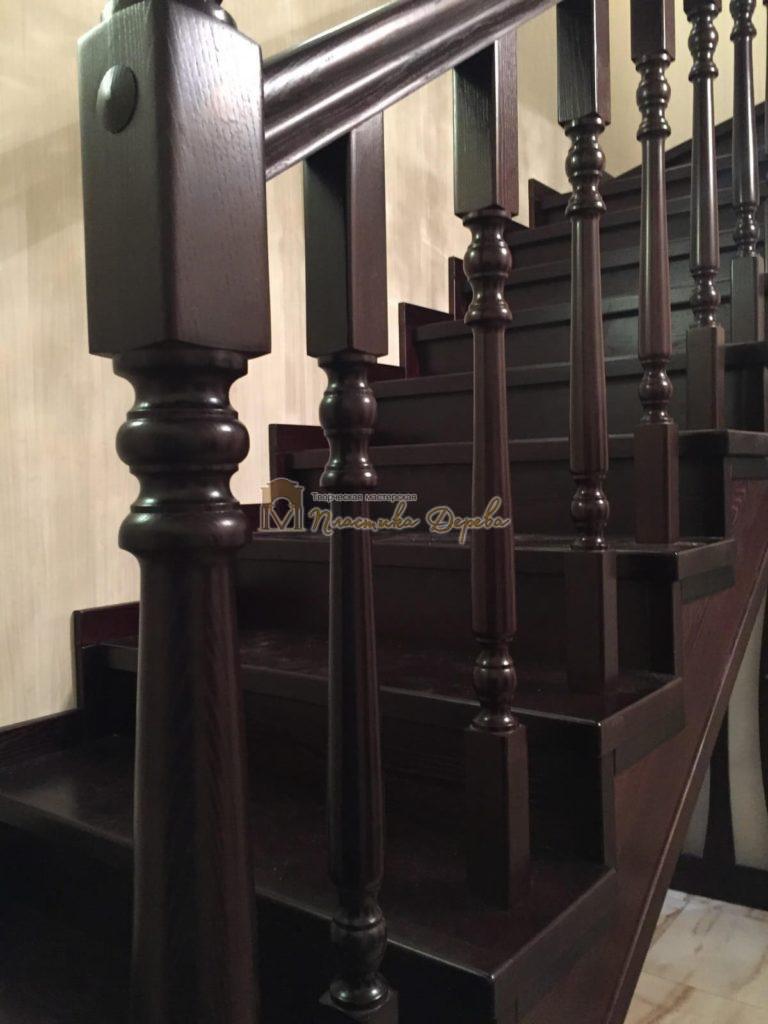 Фото 13 лестницы из ясеня с точоными балясинами