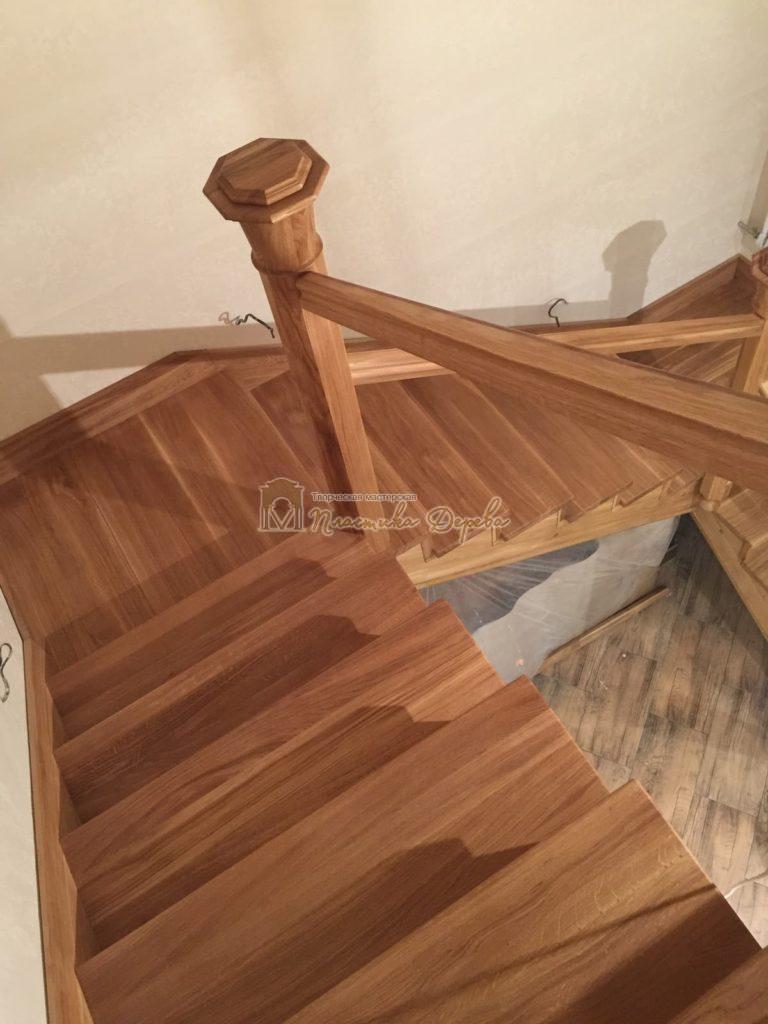 Фото 3 лестницы из дуба (покрытие масловоск)