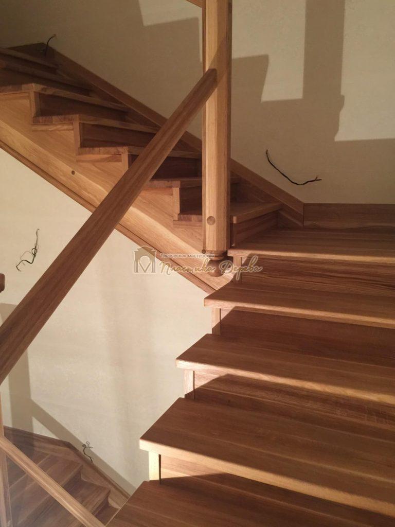 Фото 6 лестницы из дуба (покрытие масловоск)