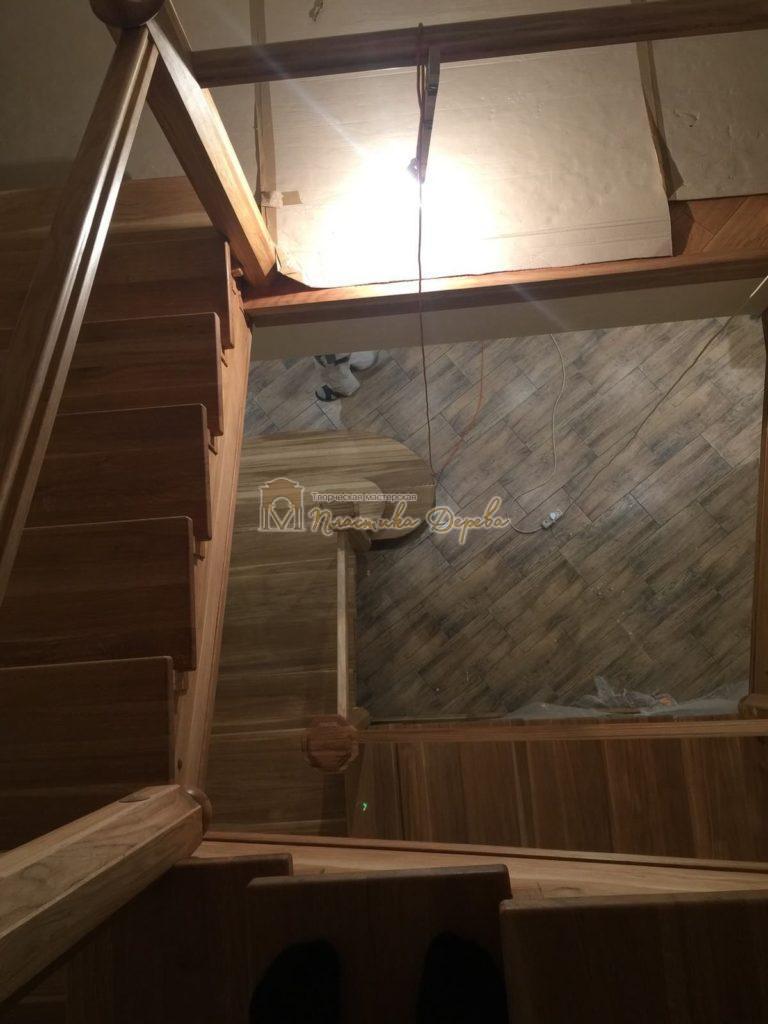 Фото 8 лестницы из дуба (покрытие масловоск)