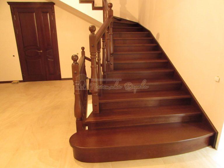 Фото 2 лестницы с подиумом