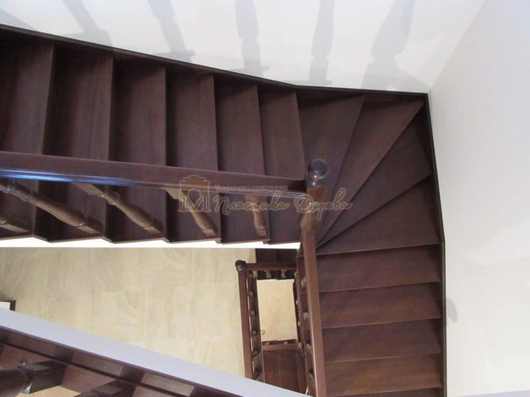Фото 28 лестницы с подиумом