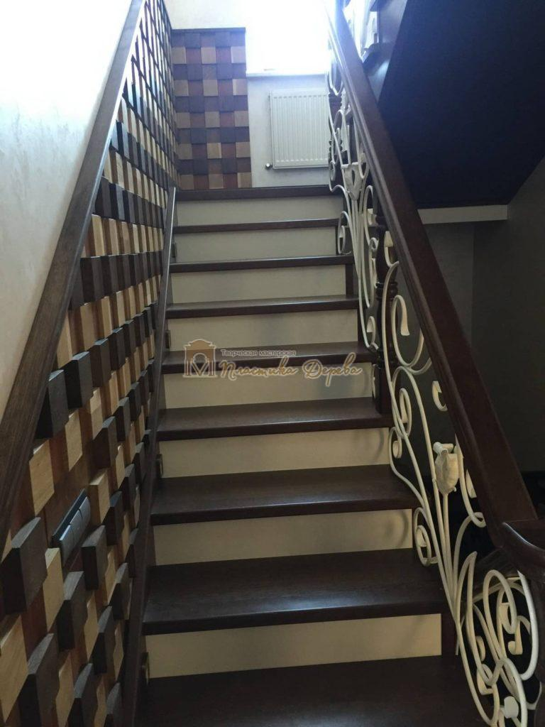 Фото 1 лестницы из дуба с ковкой
