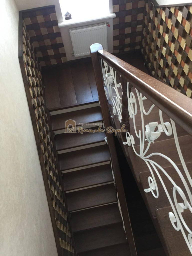 Фото 4 лестницы из дуба с ковкой