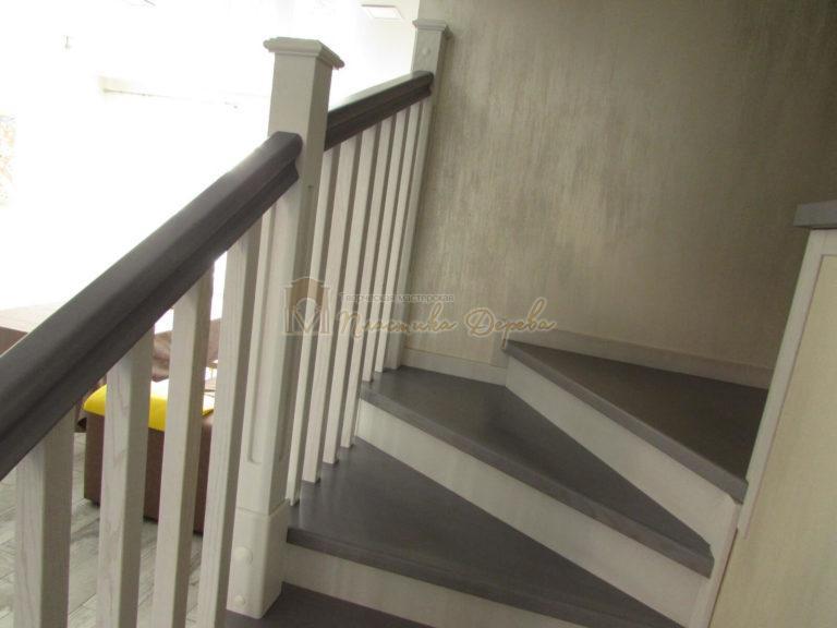 Фото 5 лестницы из ясеня с квадратными балясинами