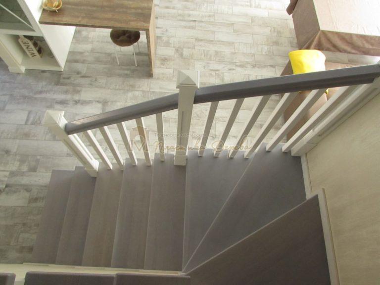 Фото 7 лестницы из ясеня с квадратными балясинами
