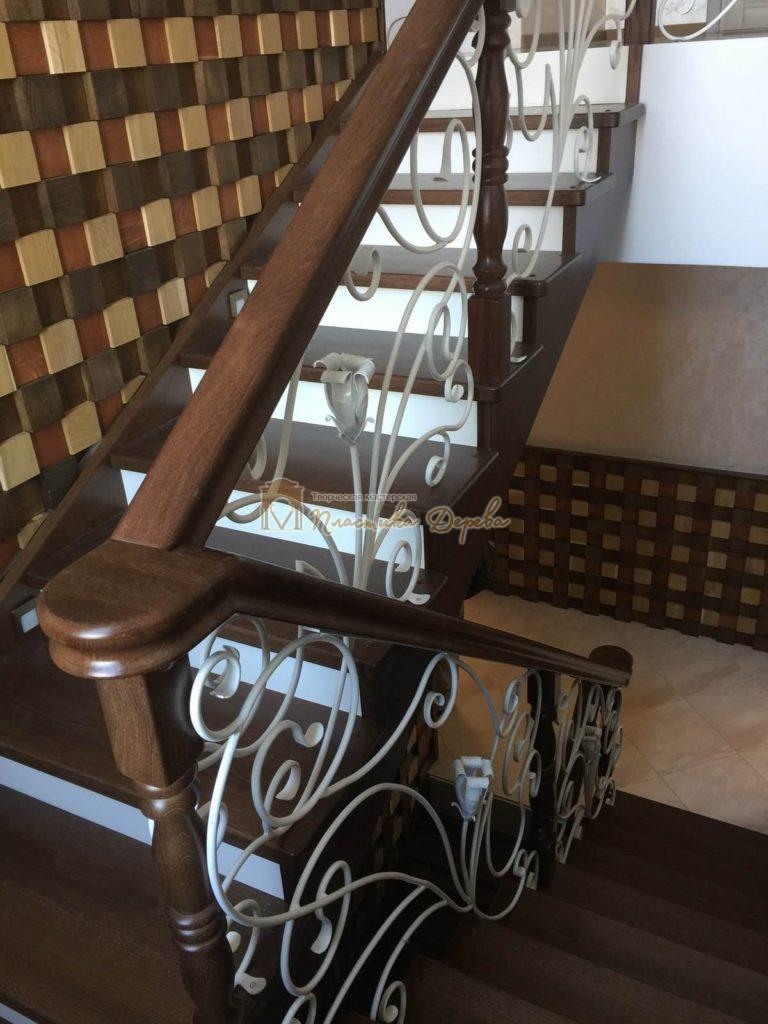 Фото 12 лестницы из дуба с ковкой