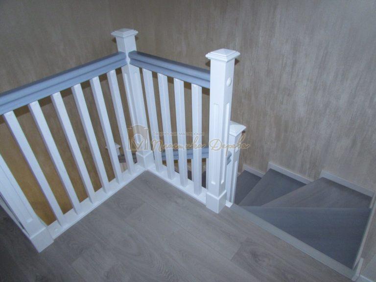 Фото 19 лестницы из ясеня с квадратными балясинами