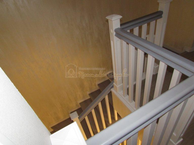 Фото 24 лестницы из ясеня с квадратными балясинами