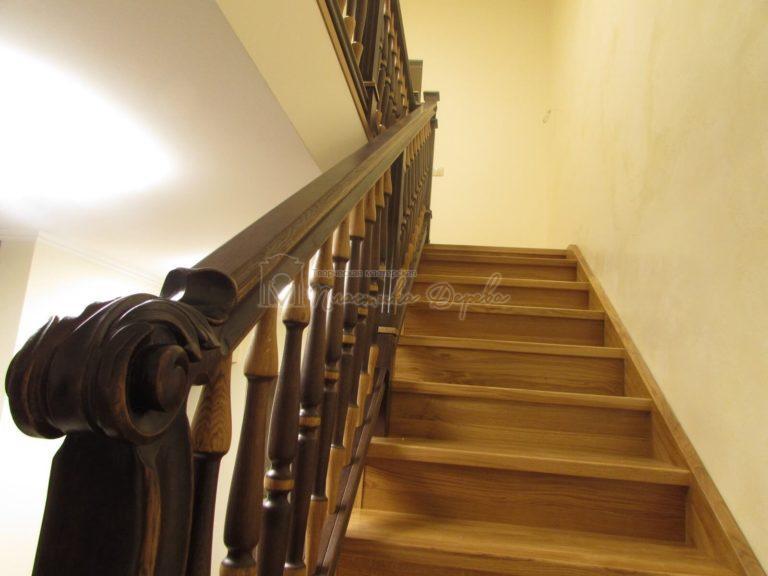 Фото 32 лестницы из дуба в испанском стиле