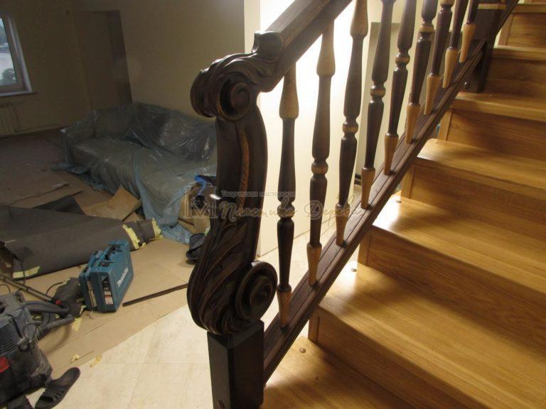 Фото 33 лестницы из дуба в испанском стиле