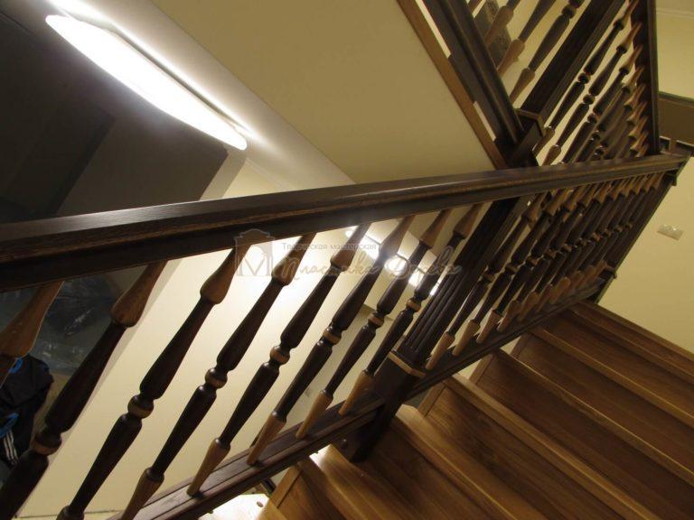 Фото 34 лестницы из дуба в испанском стиле
