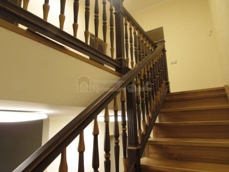 Фото 35 лестницы из дуба в испанском стиле