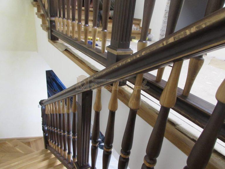Фото 3 лестницы из дуба в испанском стиле