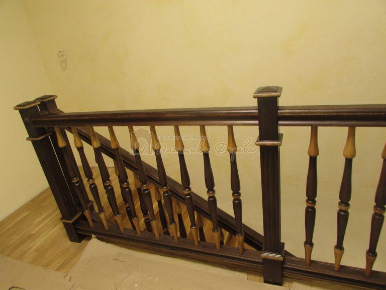 Фото 9 лестницы из дуба в испанском стиле