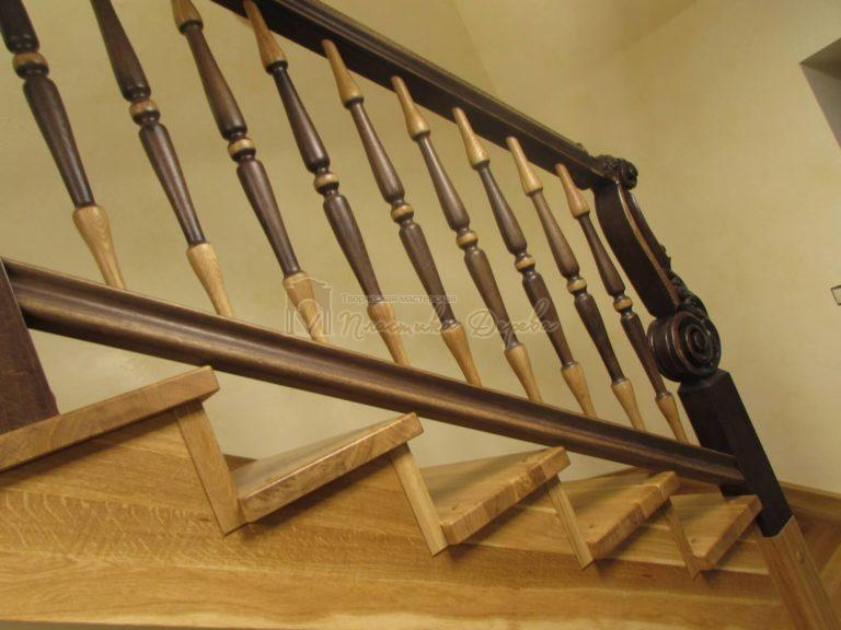 Фото 11 лестницы из дуба в испанском стиле