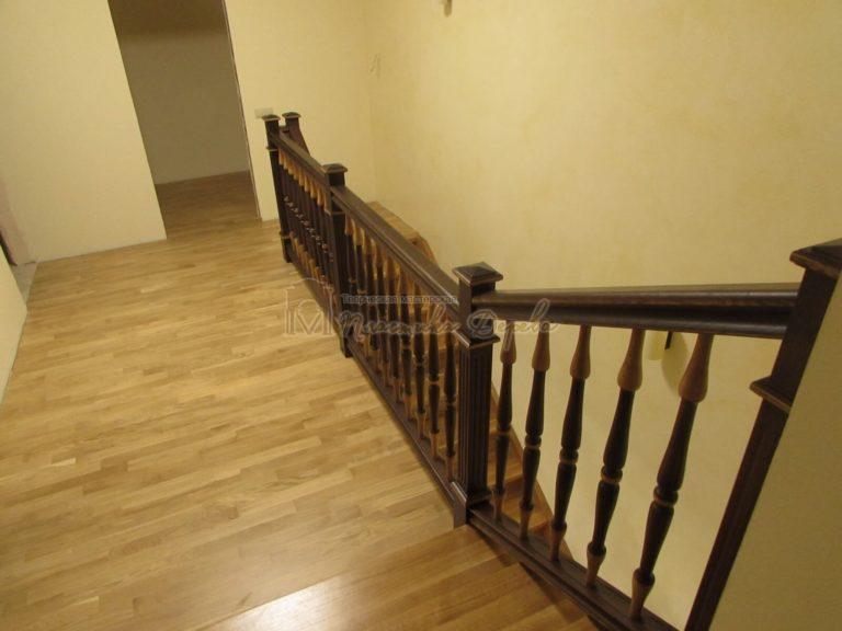 Фото 12 лестницы из дуба в испанском стиле