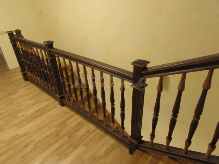 Фото 13 лестницы из дуба в испанском стиле