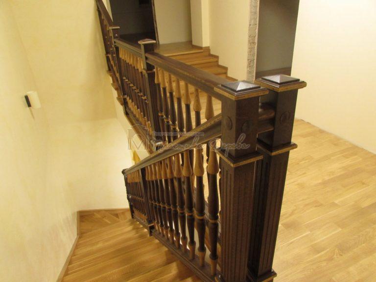 Фото 20 лестницы из дуба в испанском стиле