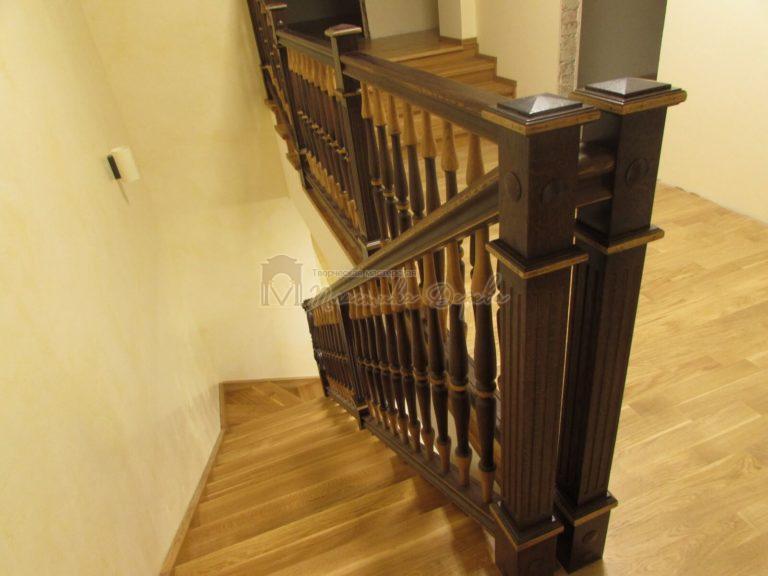 Фото 21 лестницы из дуба в испанском стиле