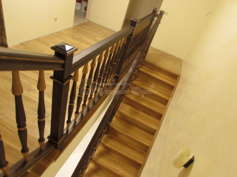 Фото 22 лестницы из дуба в испанском стиле