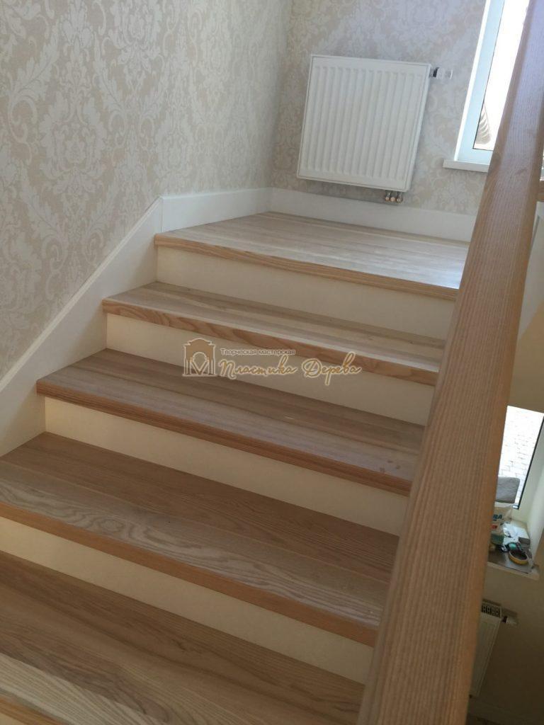 Фото 4 маршевых лестниц из дерева