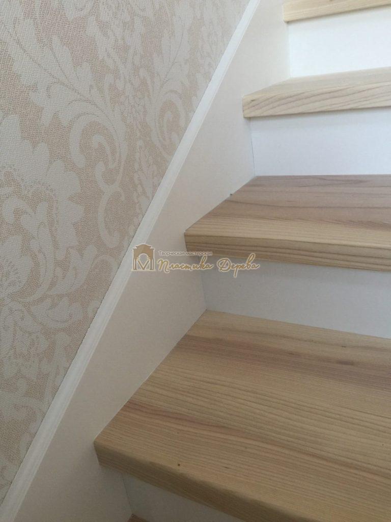 Фото 32 маршевых лестниц из дерева