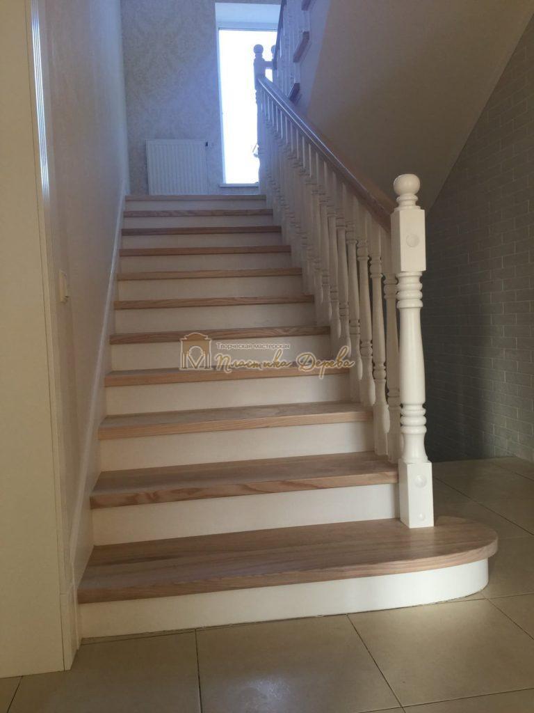 Фото 24 маршевых лестниц из дерева