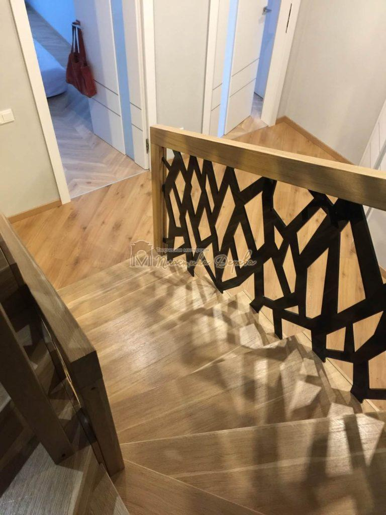 Фото 1 лестницы из дуба в современном стиле