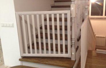 Лестница из дуба в стиле прованс (фото лестницы)