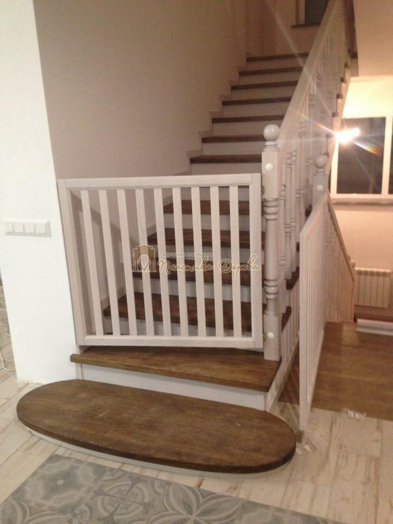 Фото 19 лестницы из дуба в стиле прованс