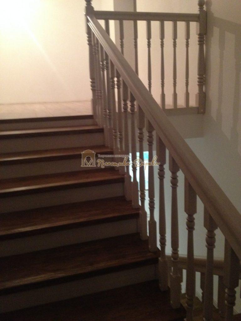 Фото 23 лестницы из дуба в стиле прованс
