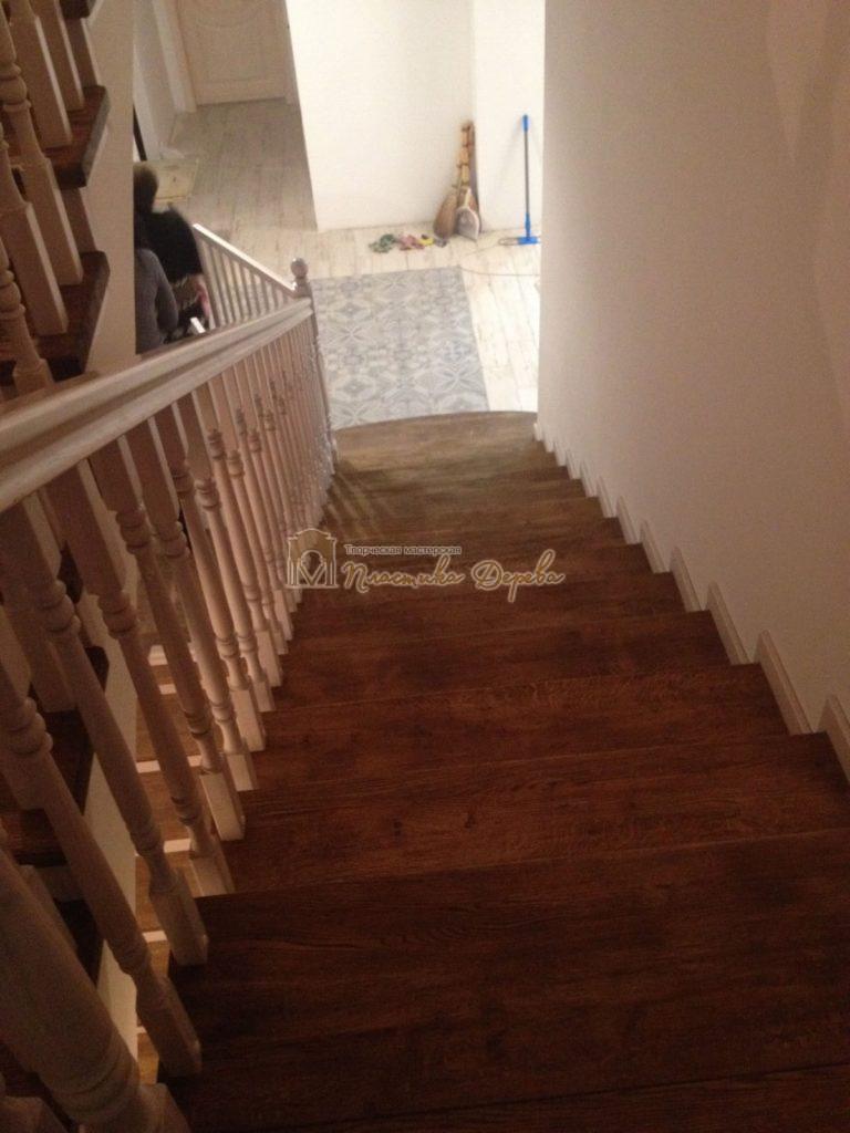 Фото 24 лестницы из дуба в стиле прованс