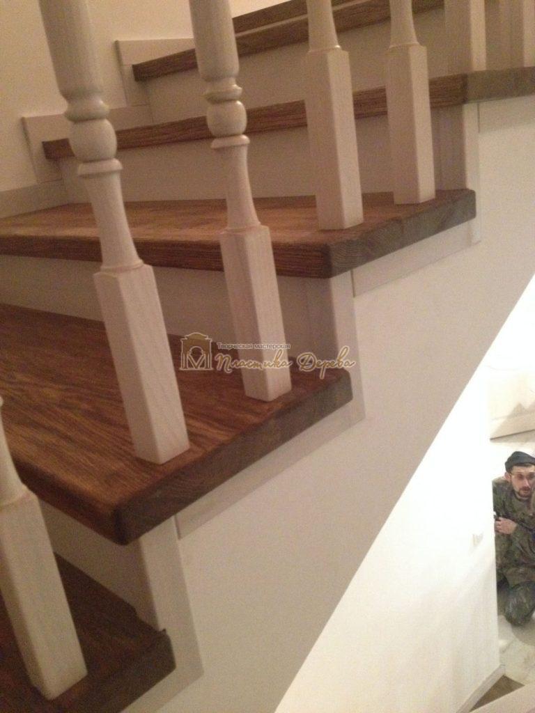 Фото 1 лестницы из дуба в стиле прованс