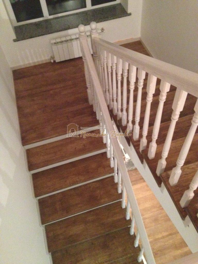 Фото 5 лестницы из дуба в стиле прованс