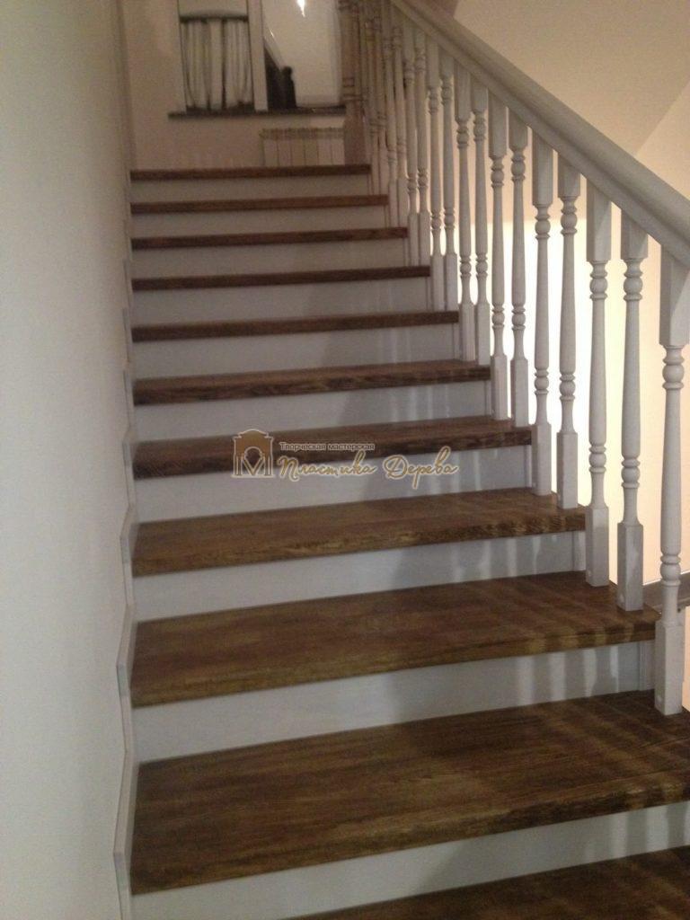 Фото 13 лестницы из дуба в стиле прованс