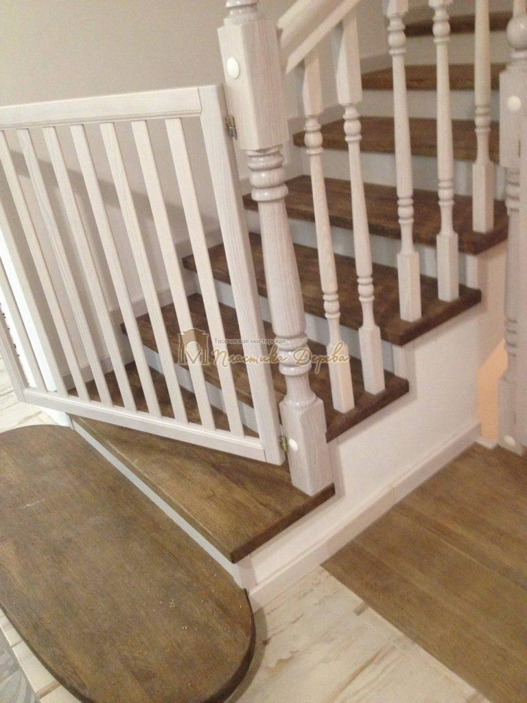 Фото 14 лестницы из дуба в стиле прованс
