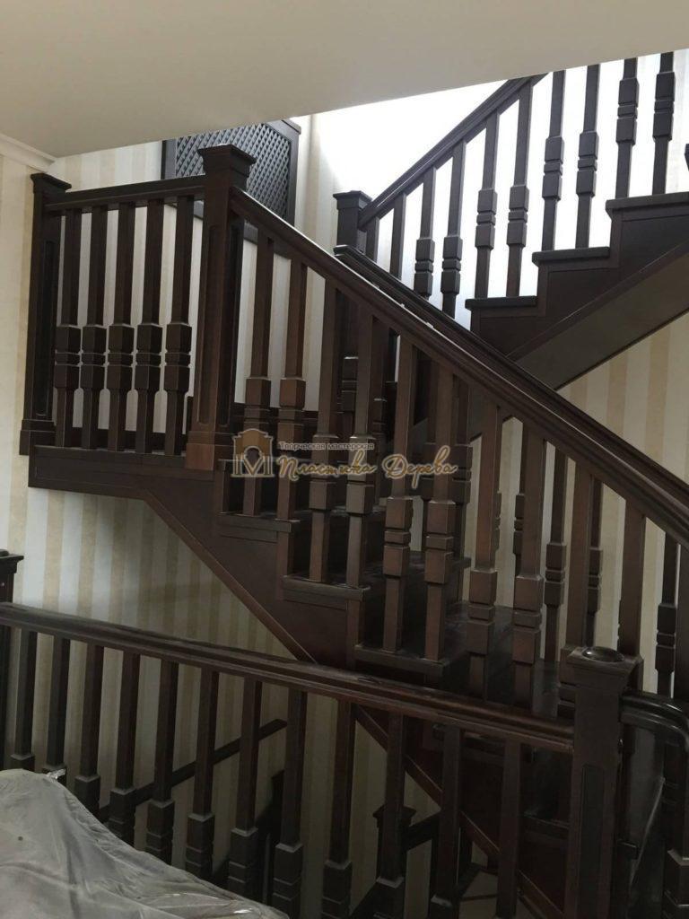 Фото 4 полувинтовой лестницы из ясеня