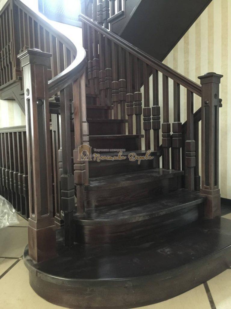 Фото 7 полувинтовой лестницы из ясеня